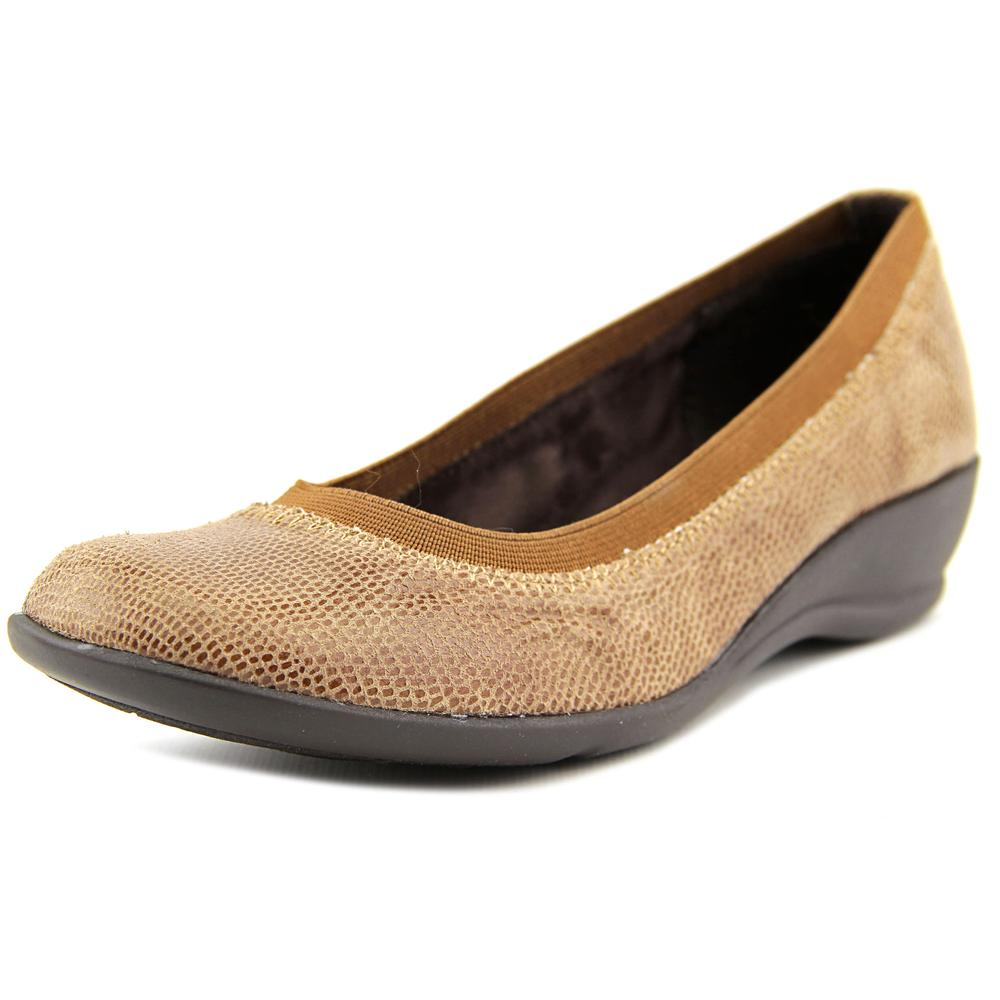 Soft Style by Hush Puppies Rogan   Square Toe Canvas  Flats