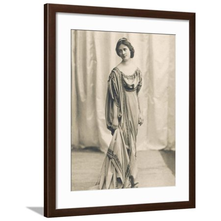 Isadora Duncan American Dancer in a Long Robe Framed Print Wall (Isadora Duncan The Biggest Dancer In The World)