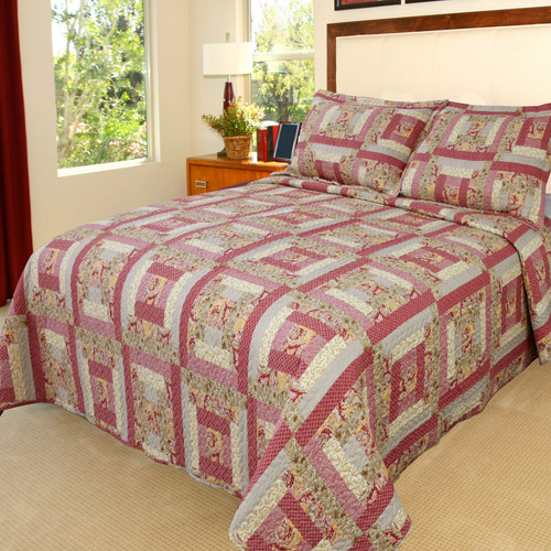 Somerset Home Printed Melissa Quilt Bedding Set by TRADEMARK GAMES INC