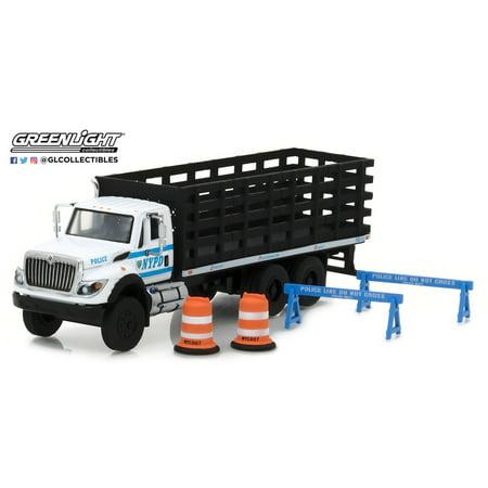 Greenlight 1:64 SD Trucks Series 2 2017 International Platform Stake Truck -