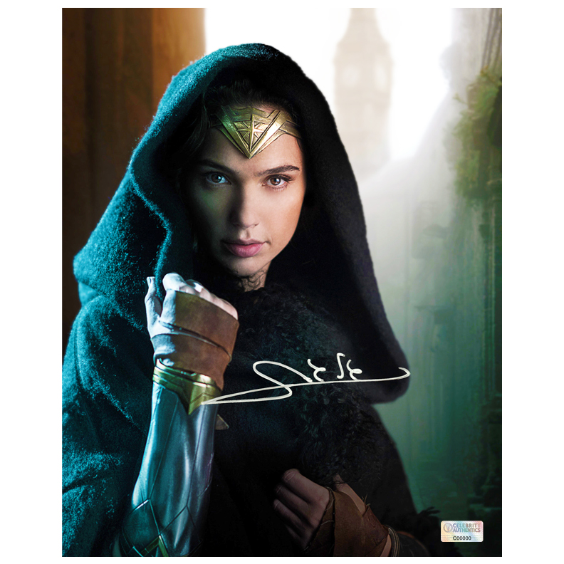 Gal Gadot Autographed Wonder Woman 8x10 Diana Prince Photo