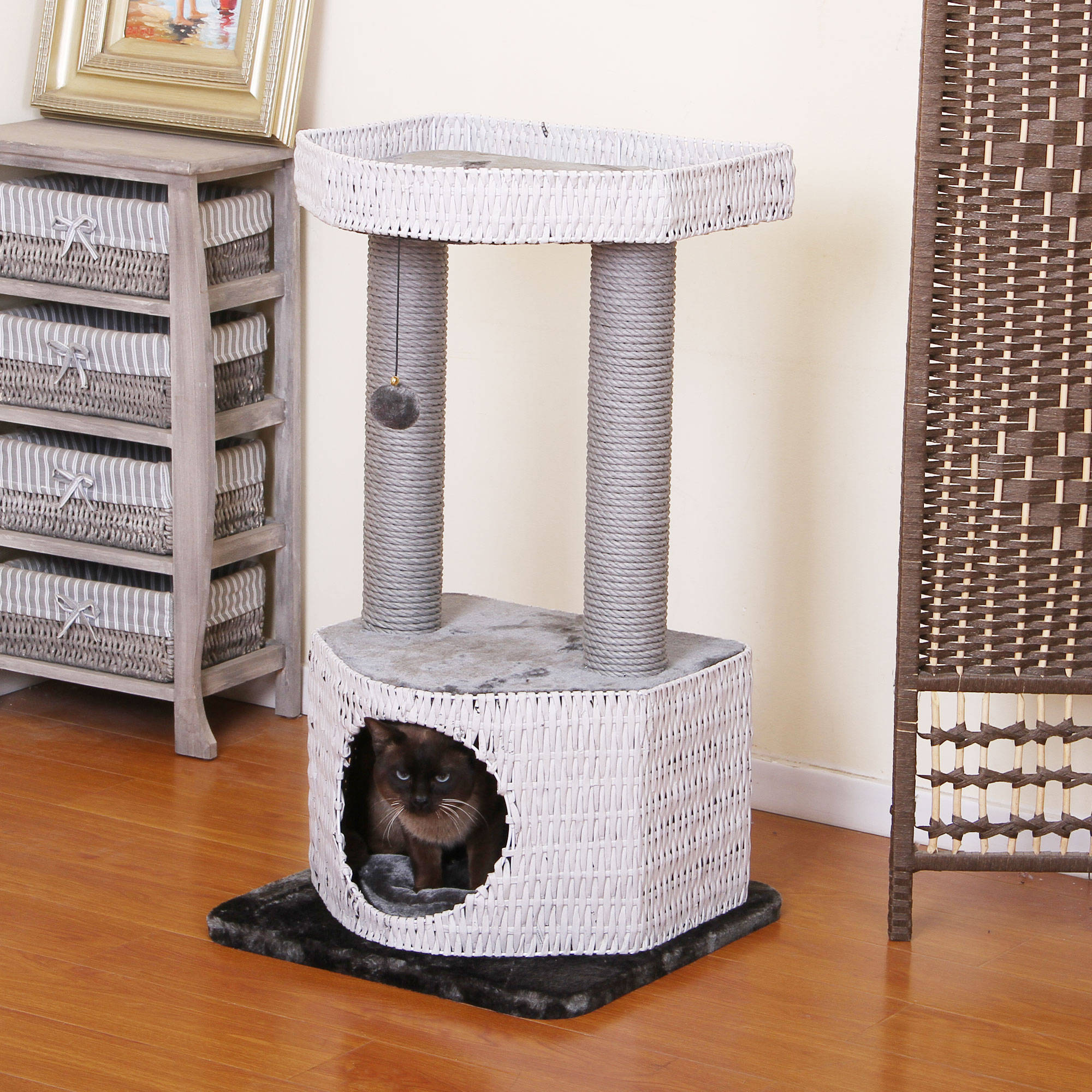 PetPals Group Rivendell Classic White and Silver Cat Tree