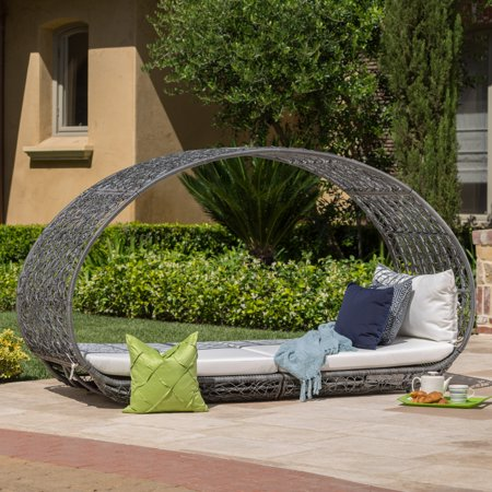 Kinston Outdoor Wicker Daybed with Cushion, Grey, White ()