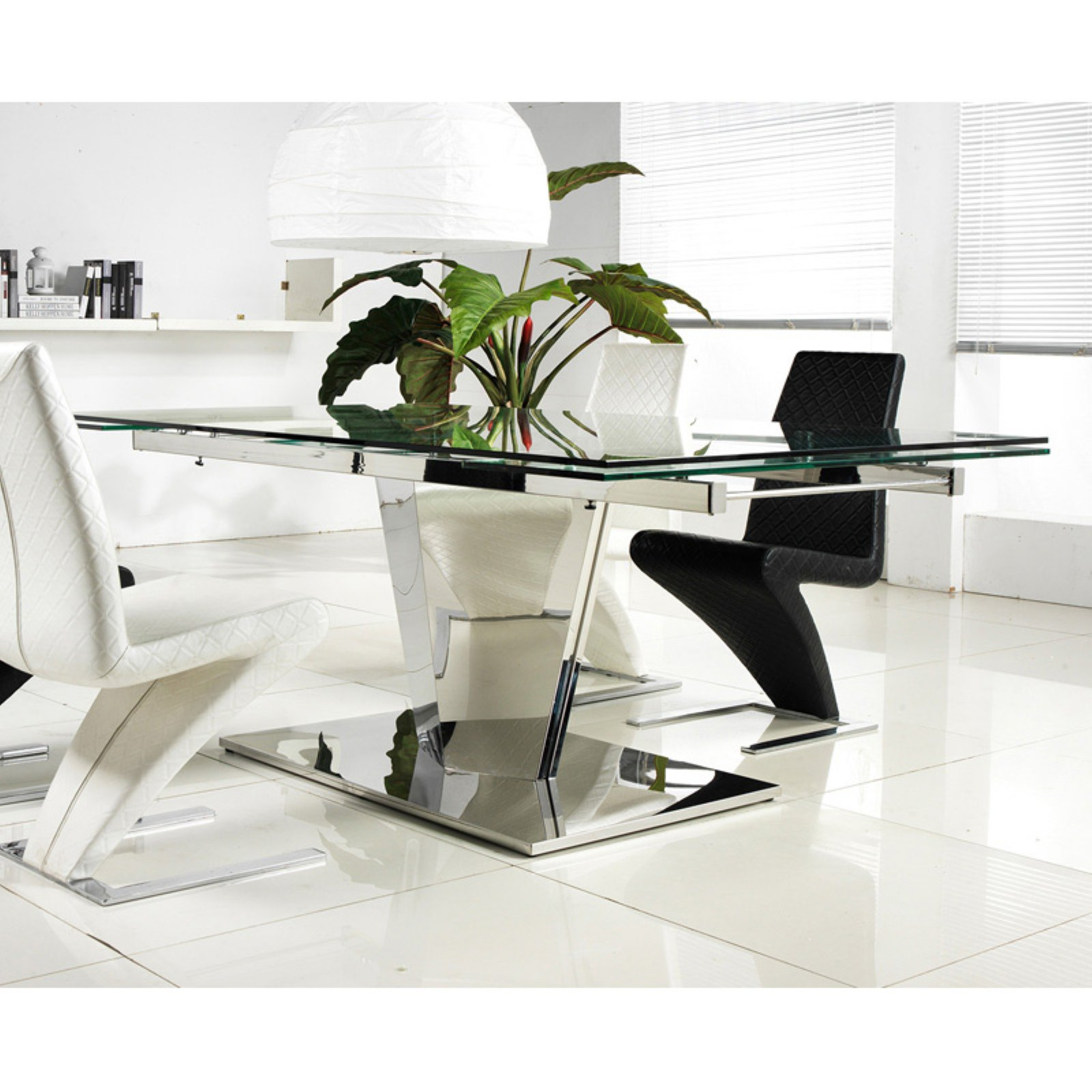 Casabianca Furniture Diamond Extendable Dining Table