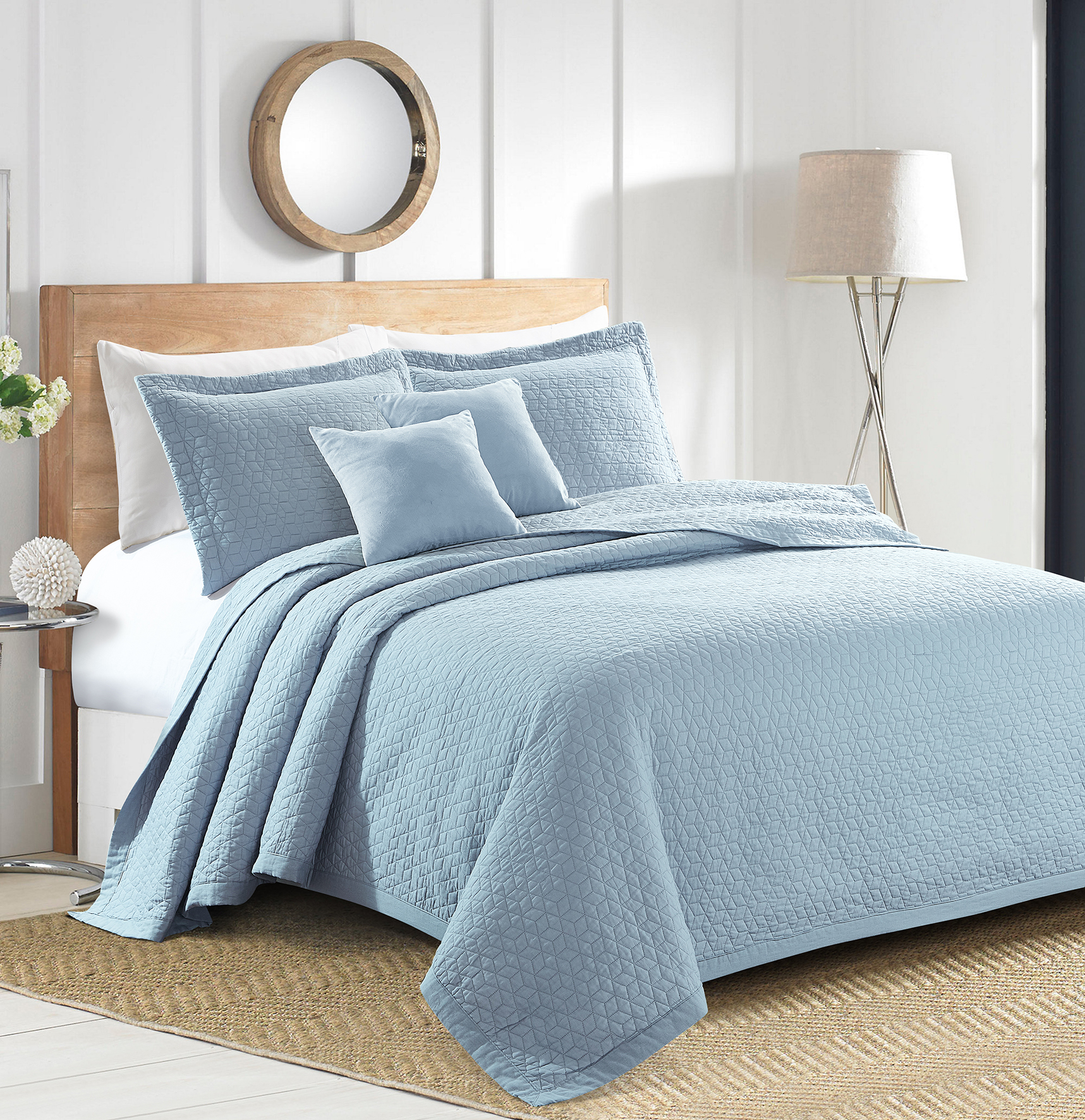Sherry Kline Out of the Box Embroidered 3-piece King Light blue Cotton Quilt Set