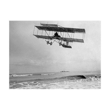 Der belgische Pilot Charles van den Born in einem Flugzeug von Farman, 1910 Print Wall Art By