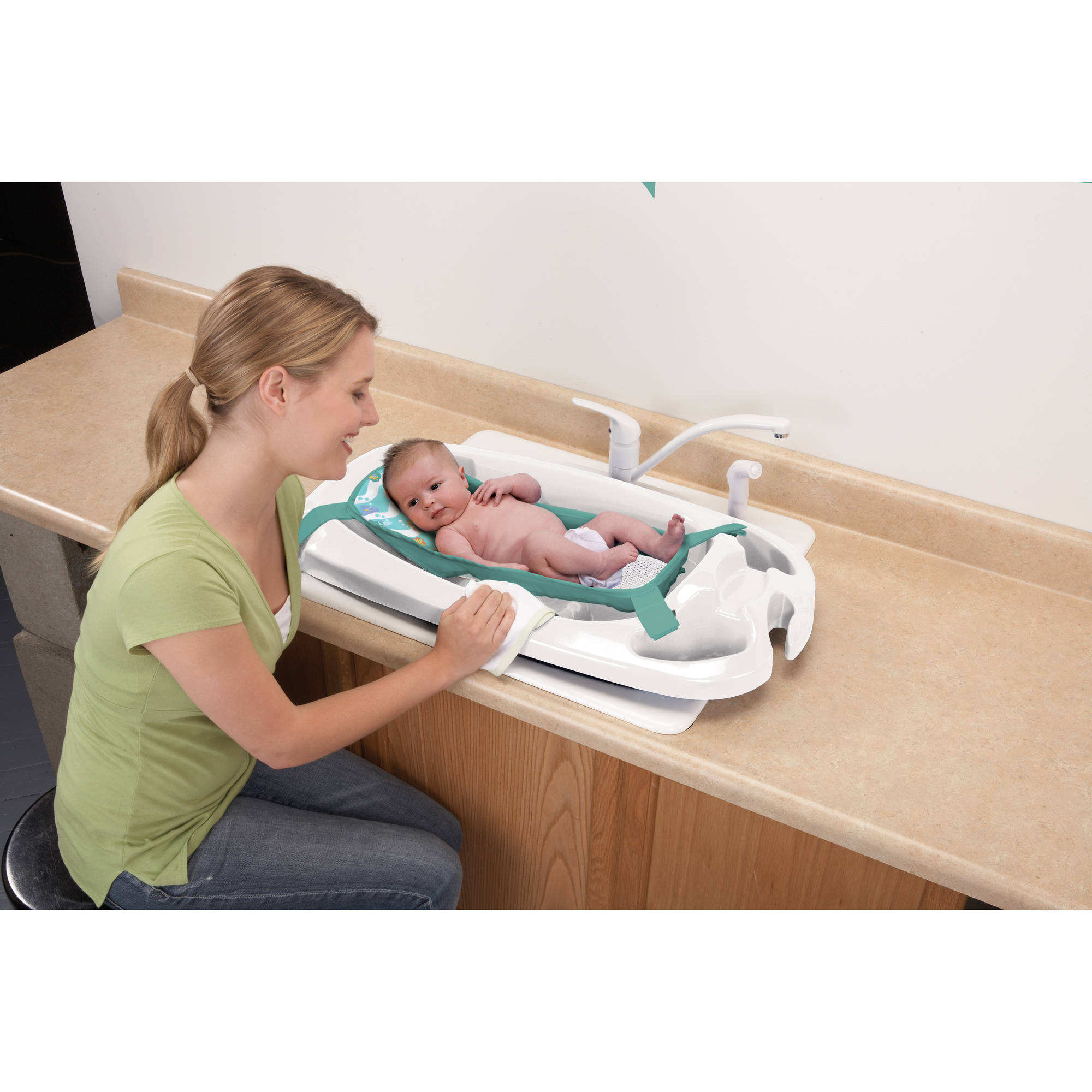 Safety 1st - Deluxe Infant to Toddler Bath Center
