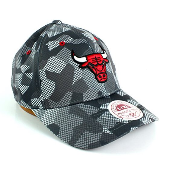 Mitchell   Ness NBA Carbon Camo Flexfit Slouch Fitted Dad Hat (S M ... b5929609eac7