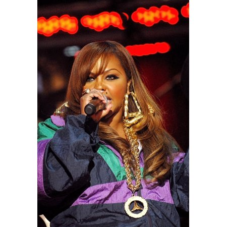 Lil Kim On Stage For 3Rd Annual Vh1 Hip Hop Honors - Show Hammerstein Ballroom New York Ny October 07 2006 Photo By Ray TamarraEverett Collection Celebrity