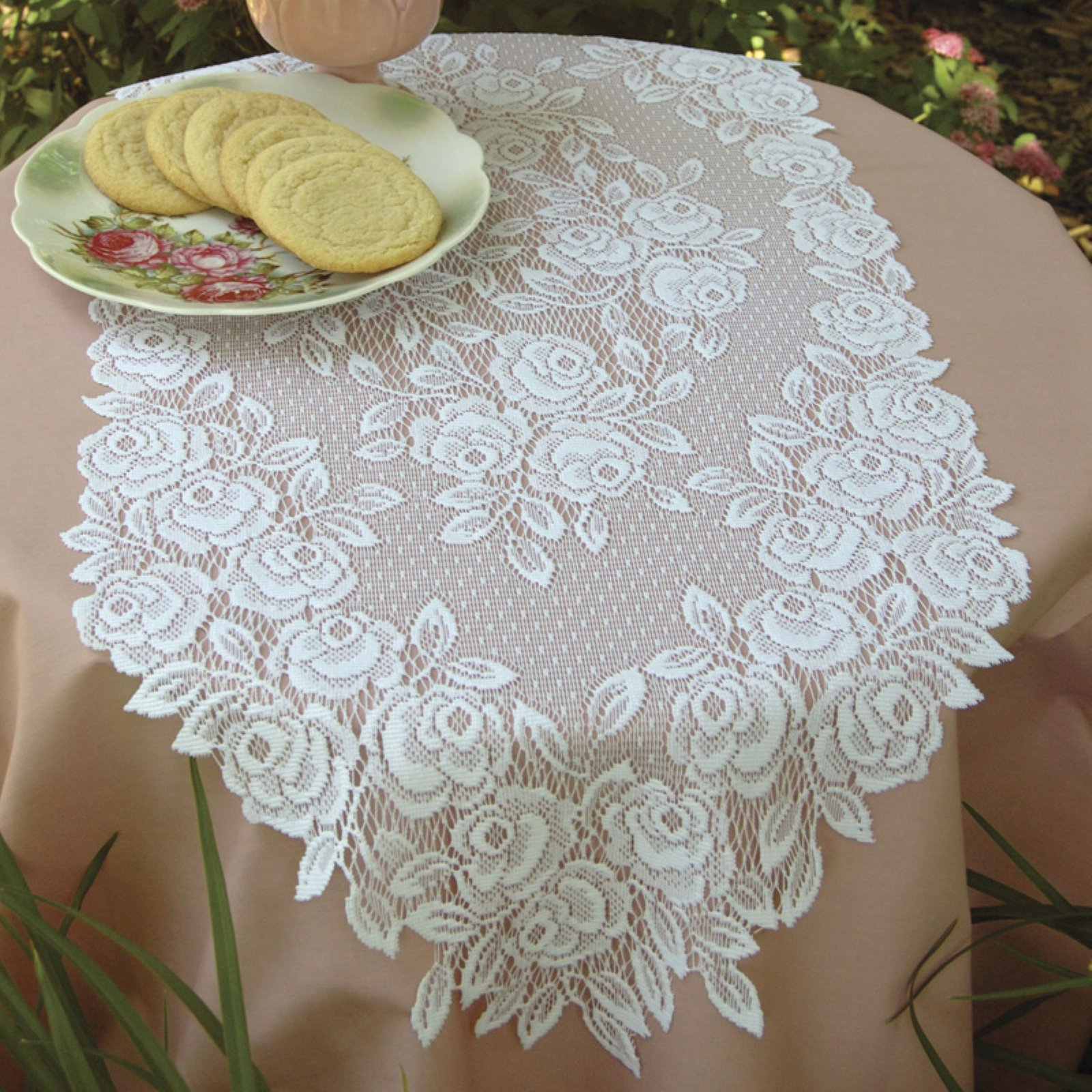 Tea Rose 14 x 24 Set of 2 Doilies