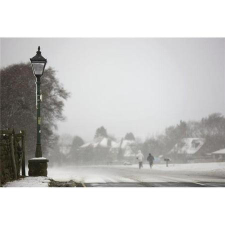 Posterazzi DPI1843947LARGE Goathland North Yorkshire England - Snowing Poster Print, Large - 34 x 22 - image 1 de 1