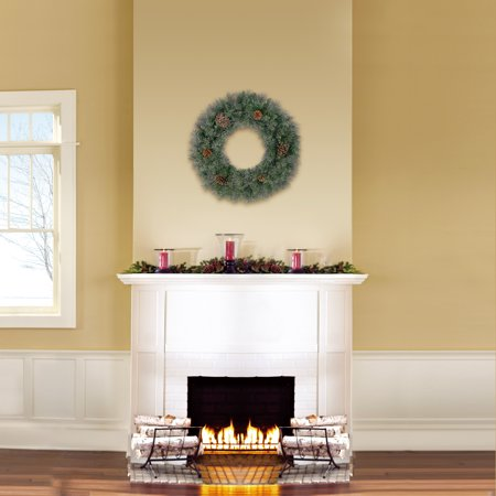 Holiday Time Green Conway Pine Christmas Wreath, 24 in ()