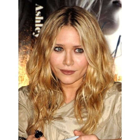 Mary-Kate Olsen At In-Store Appearance For Influence Book Signing With Mary-Kate And Ashley Olsen Borders Bookstore Los Angeles Ca November 12 2008 Photo By Dee CerconeEverett Collection Celebrity - Ashley Olsen Halloween