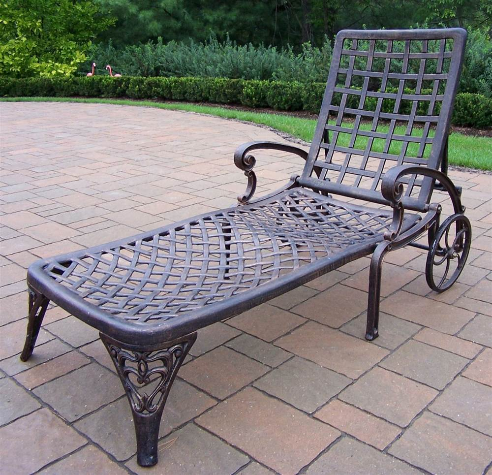 Chaise Lounge in Antique Bronze - Elite