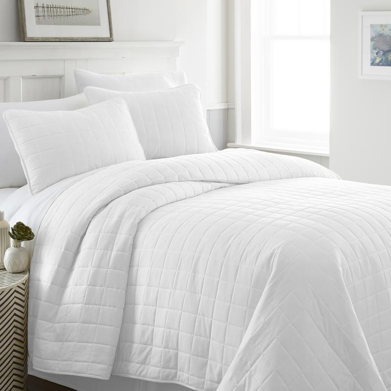 Noble Linens Premium Ultra Soft Square Pattern Quilted Coverlet Set