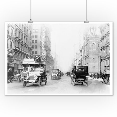 5th Avenue Street Scene in New York City Photograph (9x12 Art Print, Wall Decor Travel (Avenue Photograph)