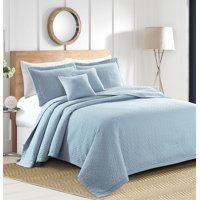 Sherry Kline Out of the Box Embroidered 3-piece Queen Light blue Cotton Quilt Set