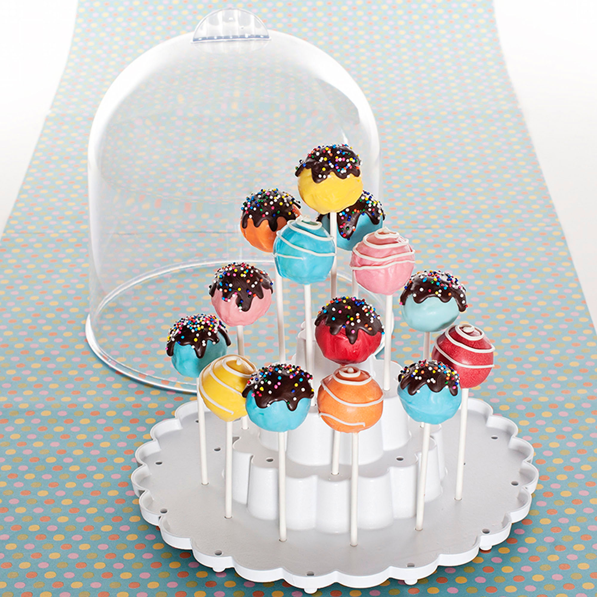 Nordic Ware Cake Pops Keeper with Domed Cover