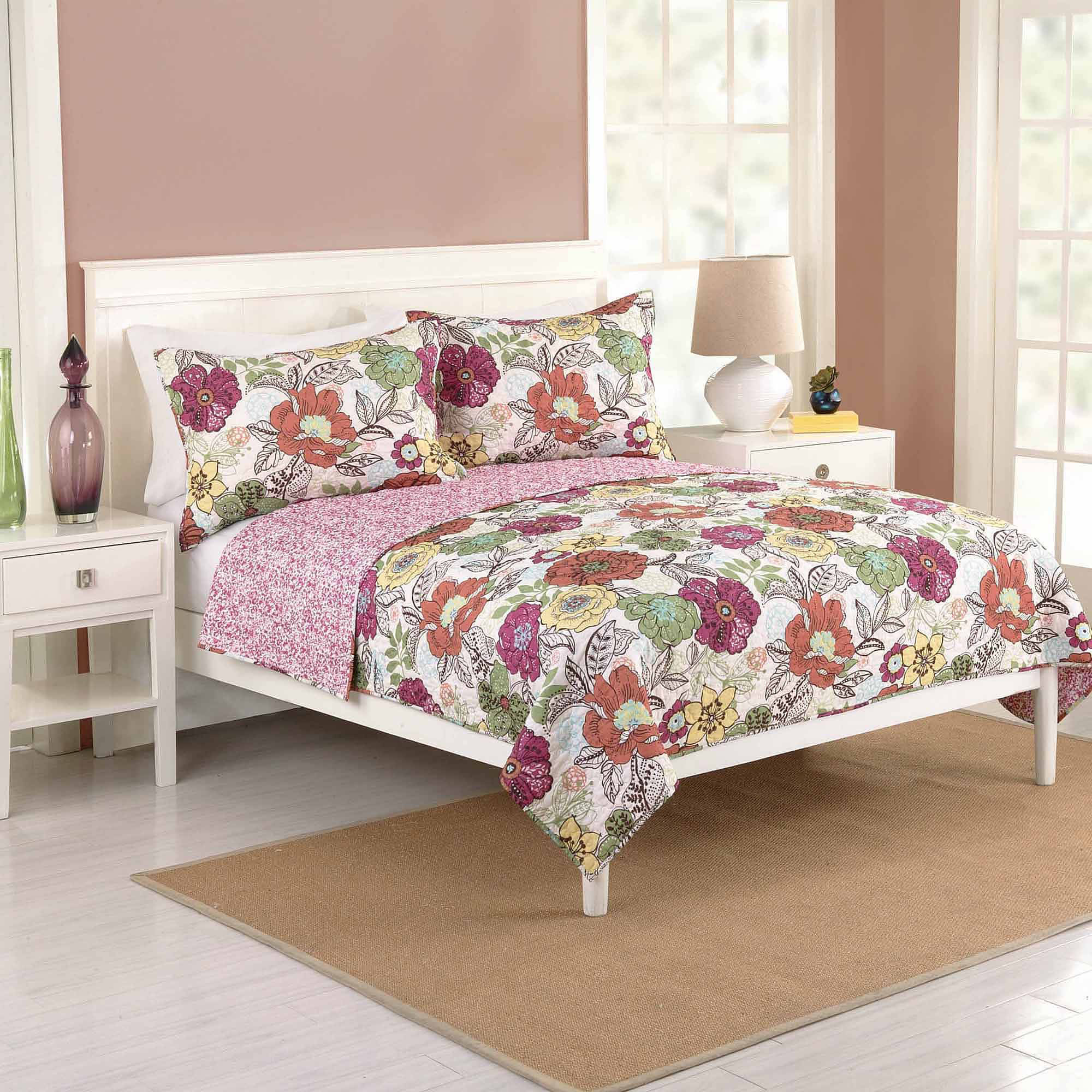Better Homes and Gardens Passion Flower Bedding Quilt by KRISS