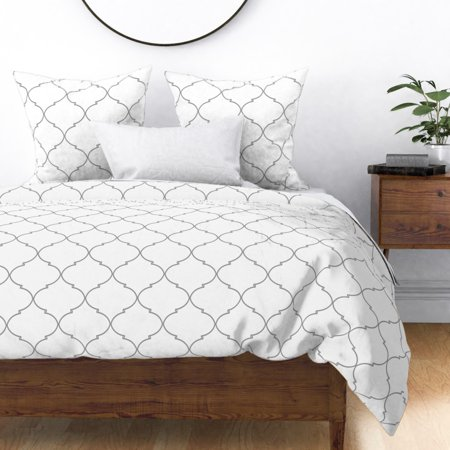 Geometric Ogee White Trellis Marrakesh Moroccan Sateen Duvet Cover by Roostery ()