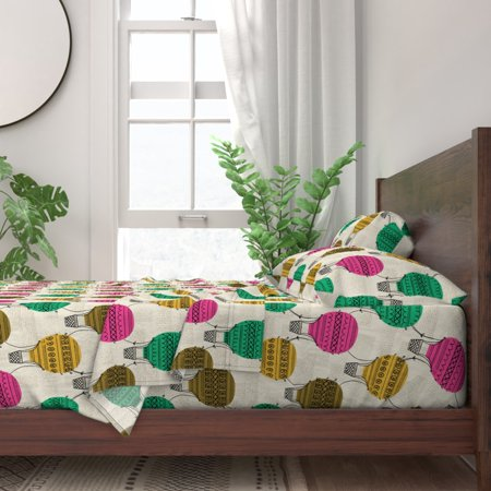 Hand Drawn Retro Hot Air Balloons 100% Cotton Sateen Sheet Set by Roostery