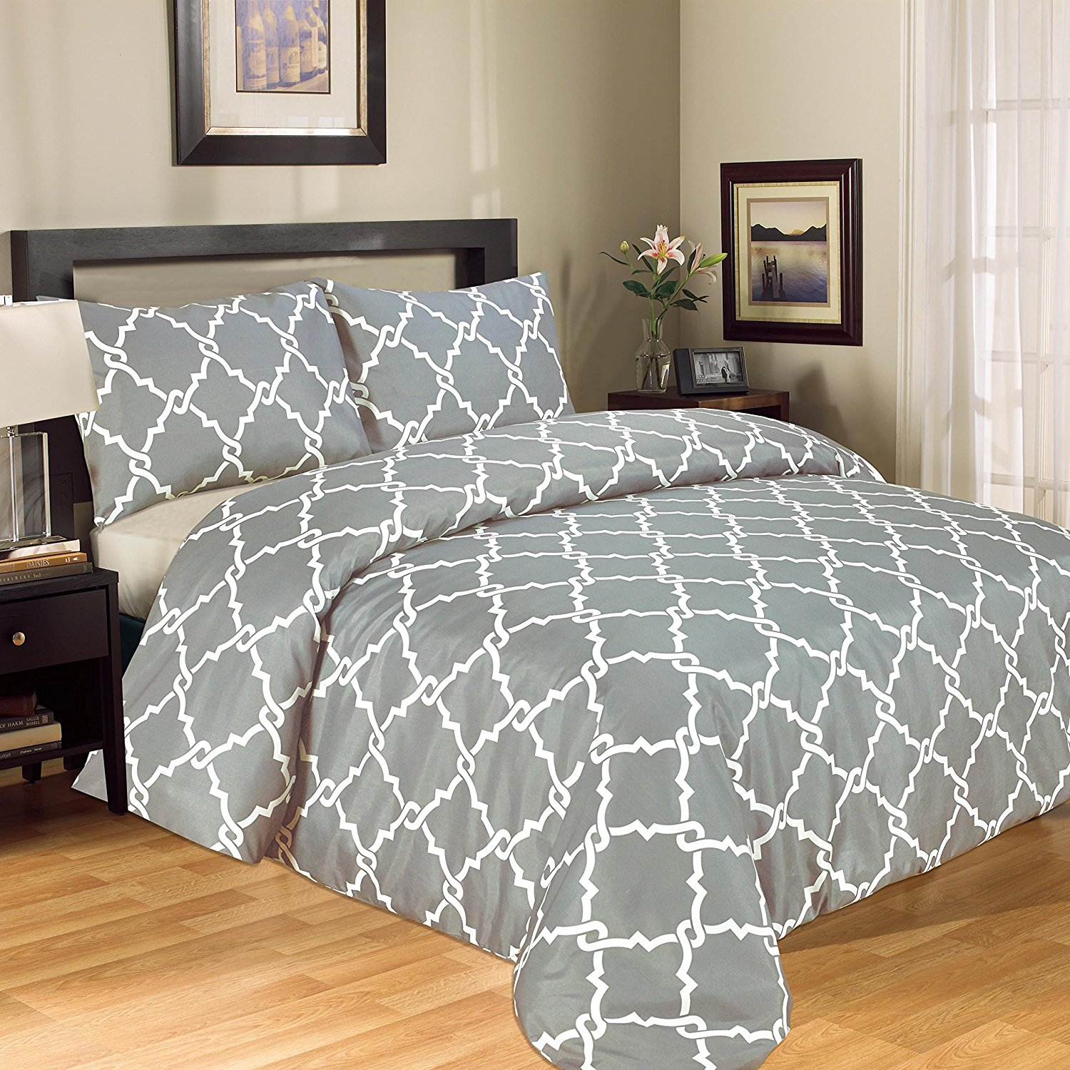 Galaxy 3-Piece Printed Luxury Modern Duvet Cover Set 100% Soft Microfiber With Pillow Cases King Size - Grey & White