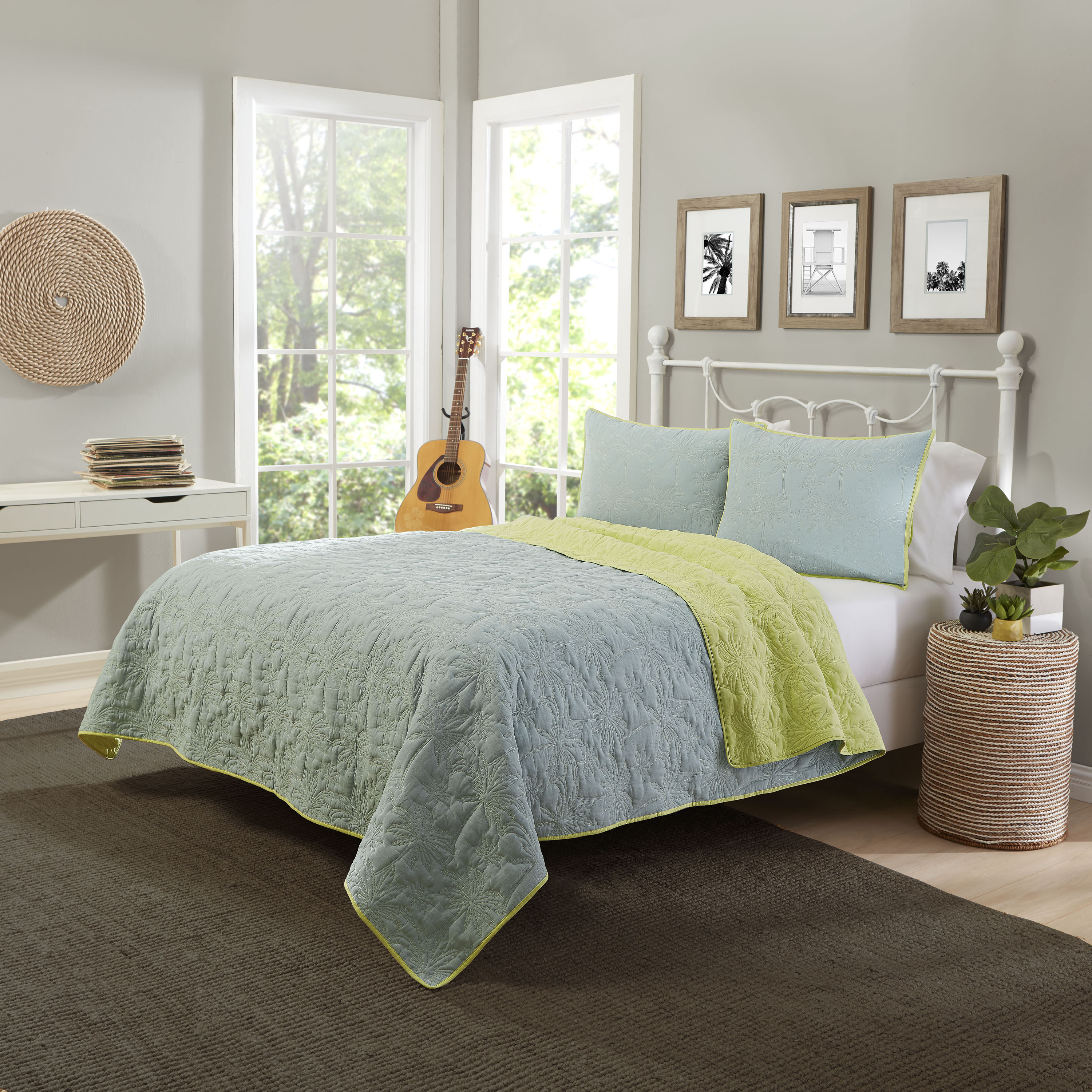 Mainstays Palm Reversible 3-Piece Bedding Quilt Set