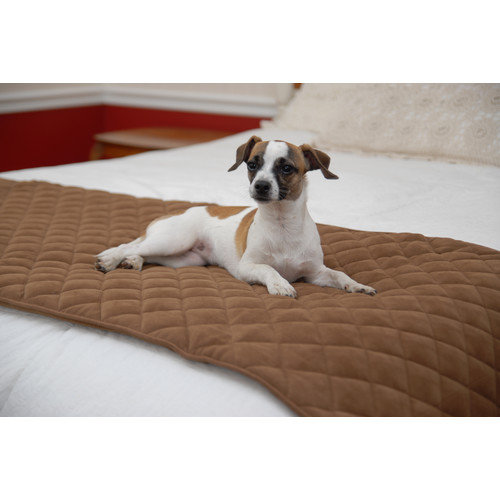 Everest Pet Quilted Bed Scarf with Moisture Barrier in Chocolate