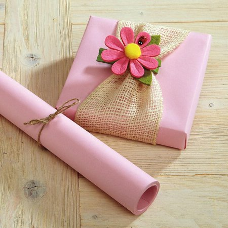 Pastel Pink Kraft Gift Wrap - 40 square feet ()