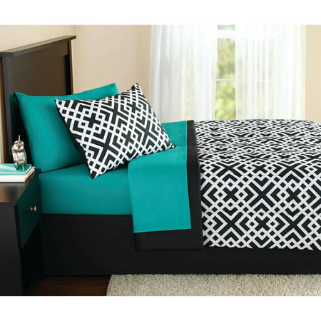 Mainstays Interlocking Geo Bed in a Bag Coordinating Bedding