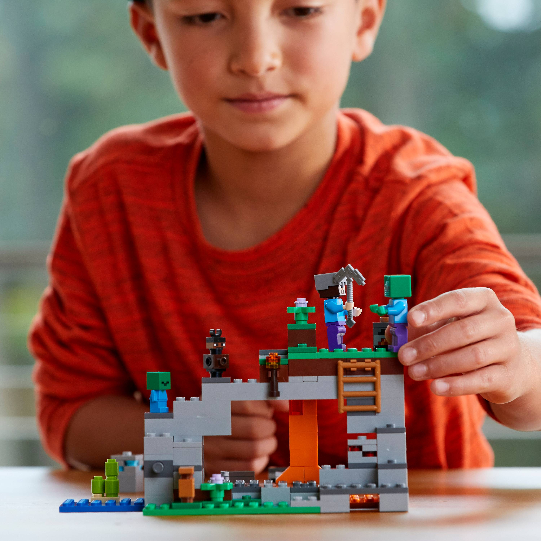 Very Cute Baby Zombie LEGO Minecraft MiniFigure 21141