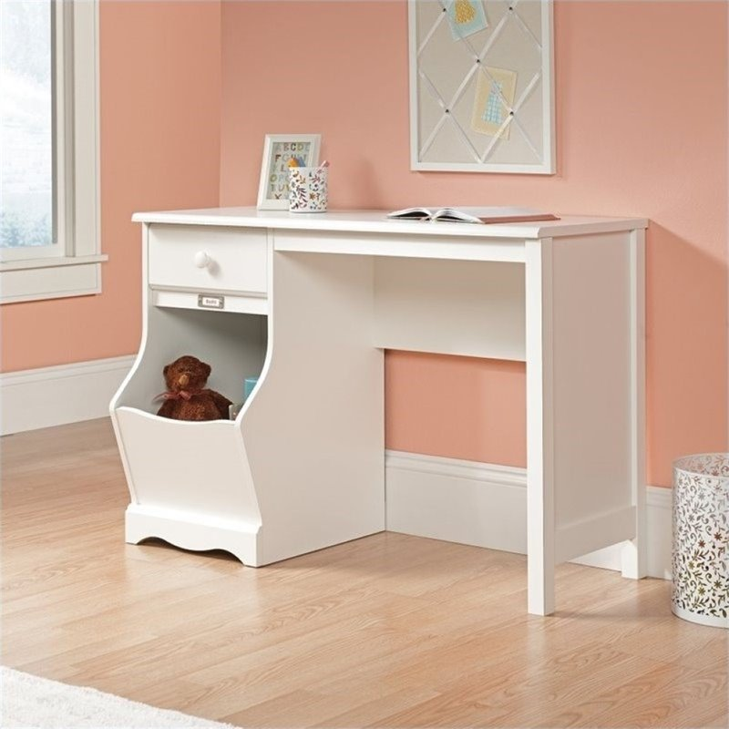 Pemberly Row Kids Desk in Soft White