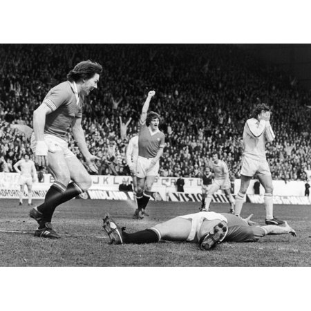 England Soccer Game 1977 Nstuart Peterson (Left) And Steve Coppell Of Manchester United Fc Congratulate Jimmy Greenhoff (On Ground) For Scoring The First Goal Against Leeds United During The Fa Cup (Manchester United Best Goals)