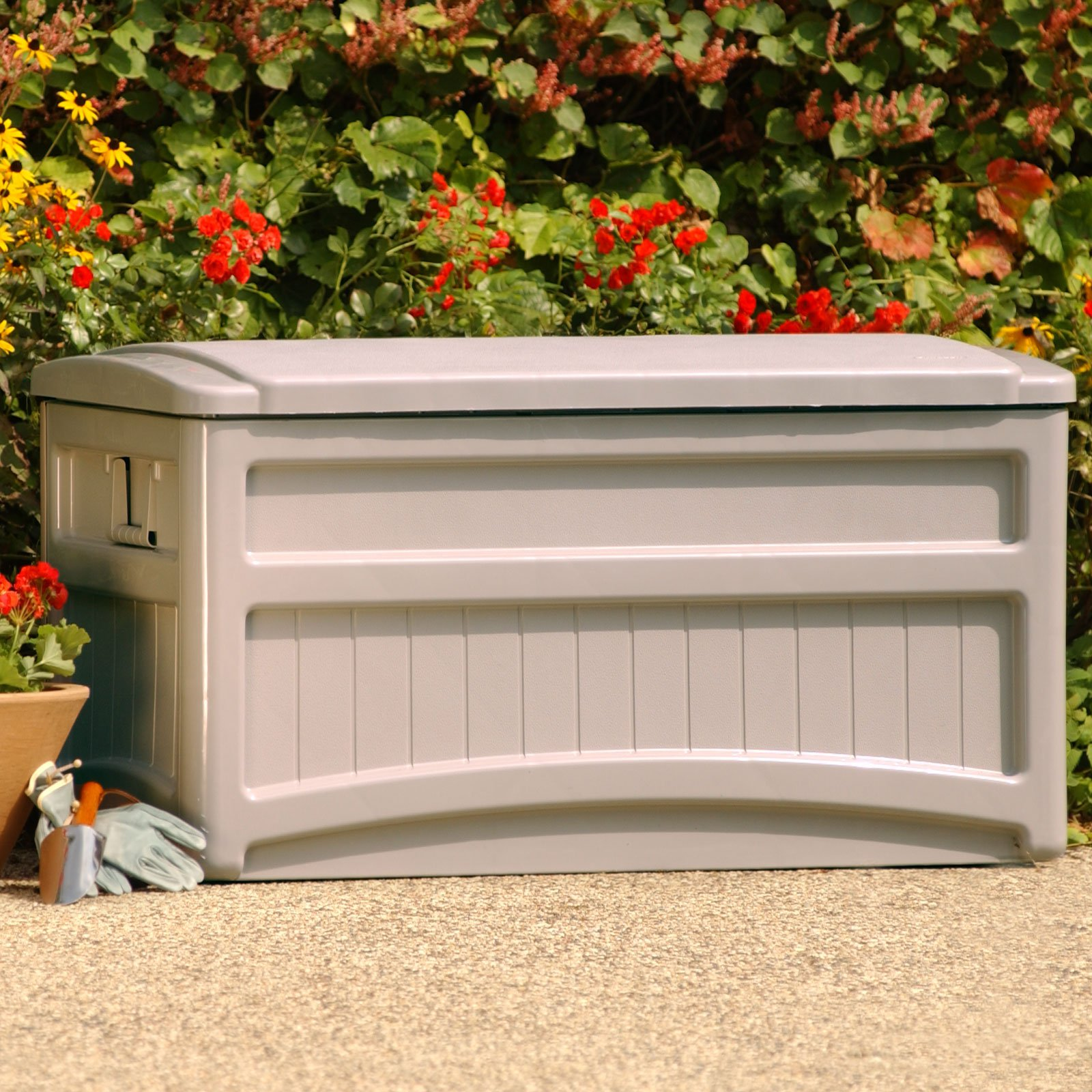 Suncast Saxon Premium 73 Gallon Light Taupe Resin Deck Box with Wheels DB7000W