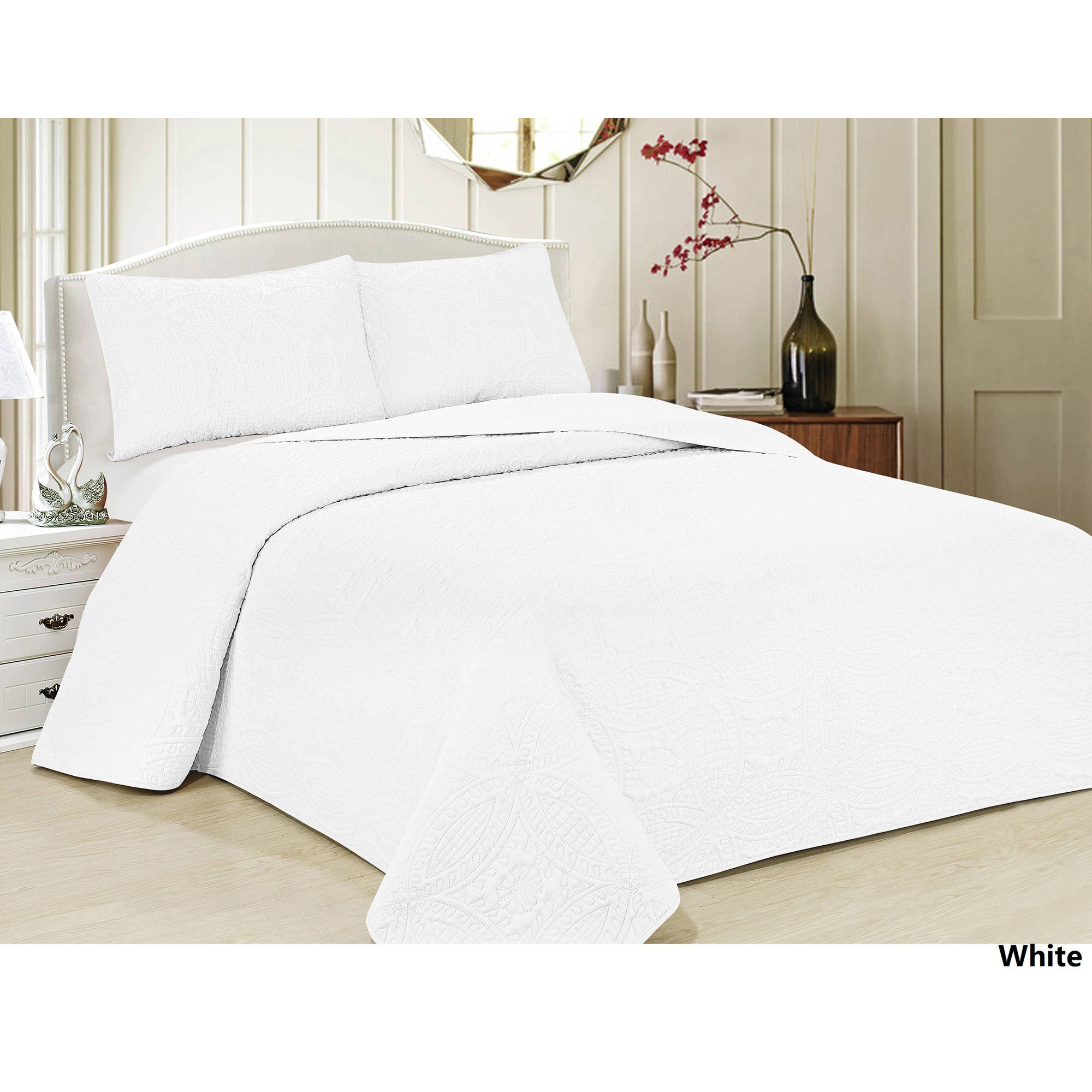Oversized 3-Piece Bedspread Set with Geometric Pattern-White Color-Queen Size