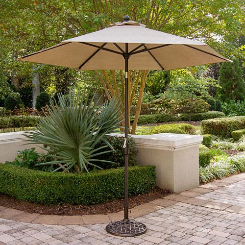 Hanover Traditions 9' Tiltable Umbrella