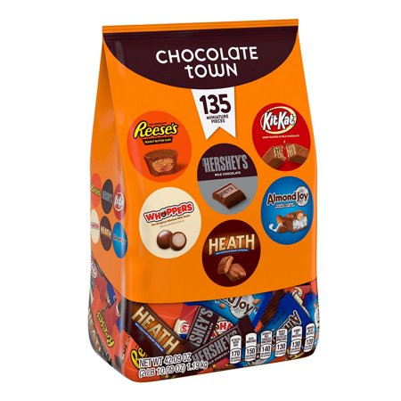 Hershey's Chocolate Town Variety Pack, 135 - ilk Chocolate Bars Miniatures, Peanut Butter Cups miniatures plus more ()