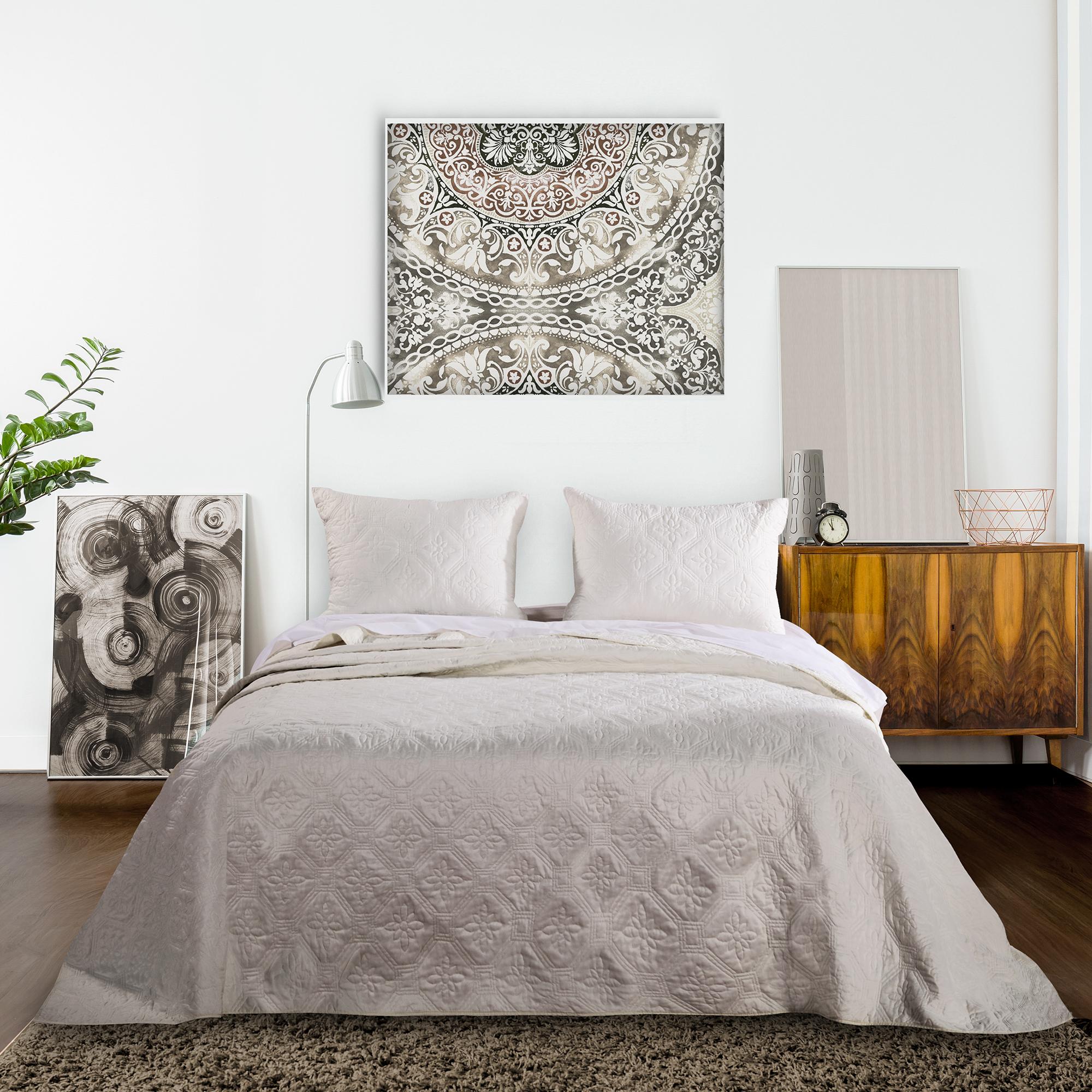 Global Trends Castle Point Bedspread Set