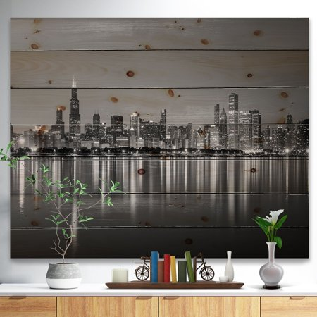DESIGN ART Designart 'Chicago Skyline at Night Black and White' Cityscape Print on Natural Pine Wood - Blue ()