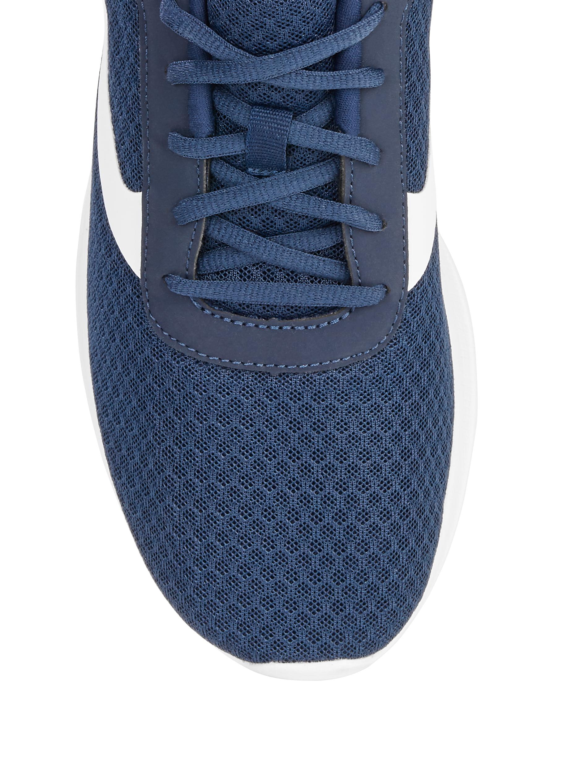 Basic Athletic Shoe
