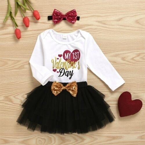 Baby Girl Valentines Day Outfits Clothes Newborn Love Letter Printing Long-Sleeved Romper Suspender Skirt Bow Knot Headband Three-Piece Suit for 0-12M