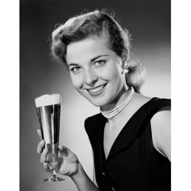 Posterazzi SAL2554232 Portrait of a Young Woman Holding a Glass of Beer Poster Print - 18 x 24 in. - image 1 de 1