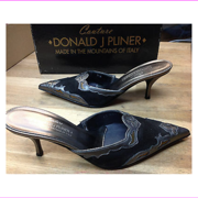 Donald J Pliner Women's Rion Black/Charcoal Suede/Antique Metallic Size 7.5 M