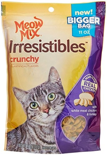 Meow Mix Irresistibles Crunchy White Meat Chicken Turkey Dry Cat Treats, 11 Oz by Big Heart Pet Brands