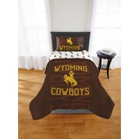 """NCAA Wyoming Cowboys """"Affiliation"""" Twin/Full Comforter"""
