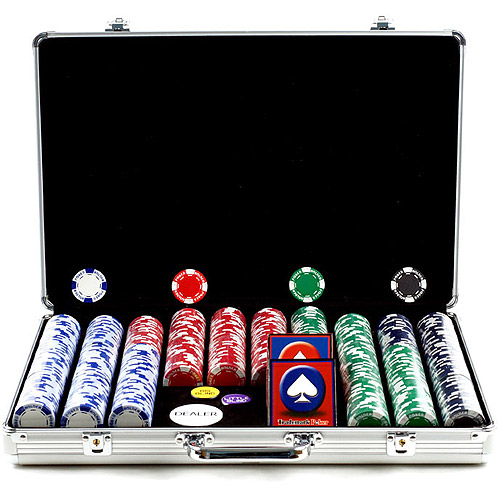 Trademark Poker 650pc 11.5g Hold Em Chips with Executive Aluminum Case by TRADEMARK GAMES INC