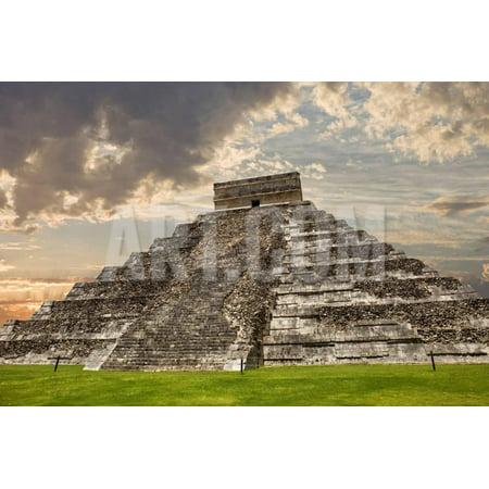 Ancient Mexican Art (Ancient Mayan Pyramid, Kukulcan Temple at Chichen Itza, Yucatan, Mexico Print Wall Art By ruivalesousa)