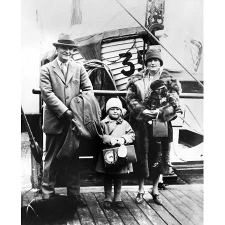 F Scott Fitzgerald N 1896 1940  Francis Scott Key Fitzgerald American Writer Photographed With His Wife Zelda And His Daughter Frances Scott 1926 Rolled Canvas Art     18 X 24