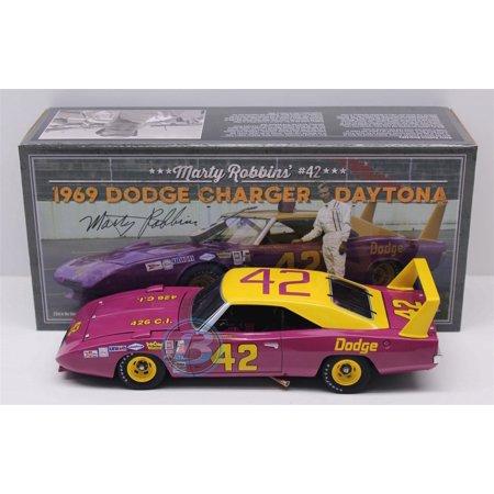 Marty Robbins #42 Dodge 1969 Dodge Daytona 1:24 University of Racing