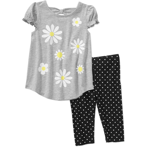Give her the perfect everyday look with this girls' Carter's ruffled tunic and woodland-print leggings set. In pink/navy.